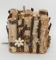 Houten tubes met glazen vaasjes om bloemen in te zetten M